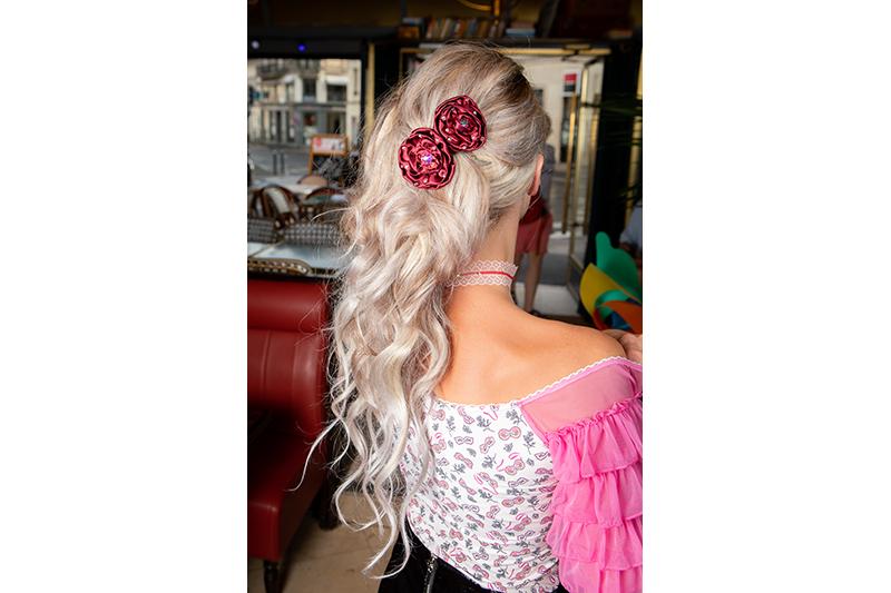 rose satin bordeaux barrette fait main made in france accessoire coiffure soir luxe