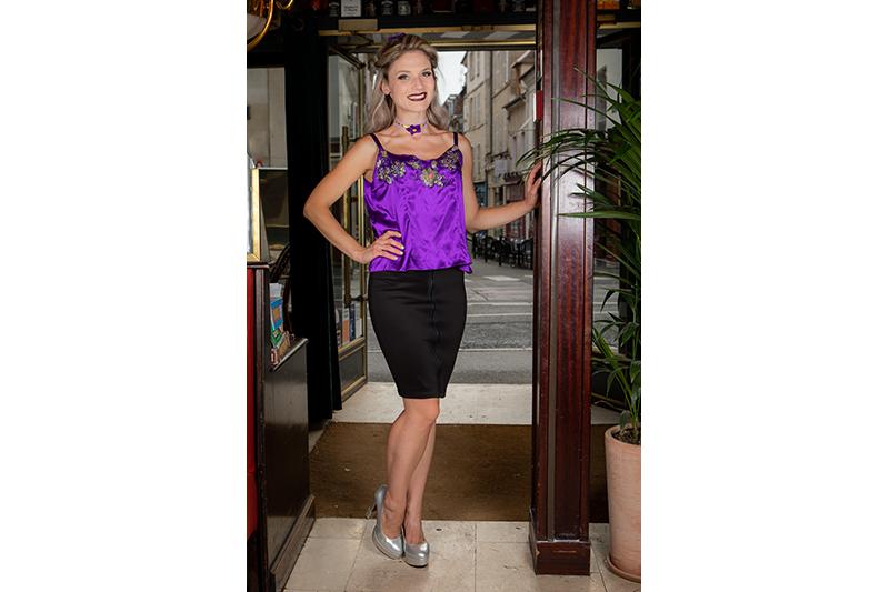 haut mode femme pret a porter luxe satin violet paillettes broderies top bretelles caraco lingerie