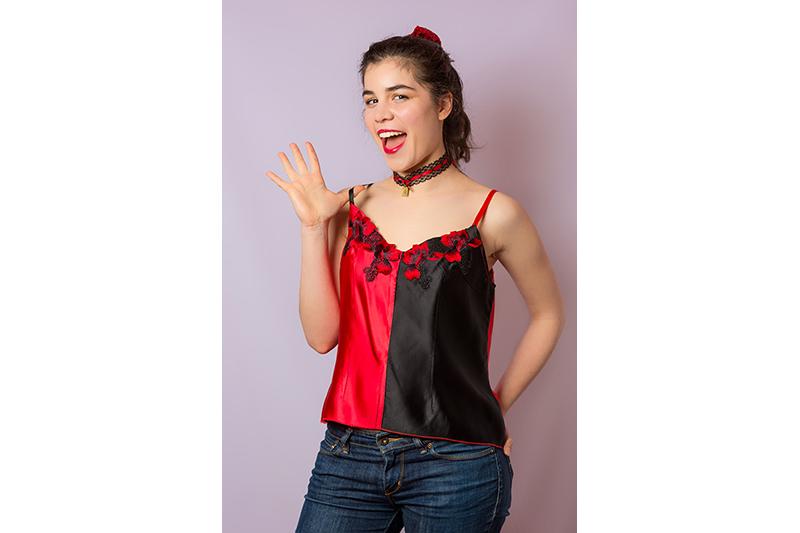 caraco lingerie broderies rouge noir harley quinn made in france haut bretelles satin