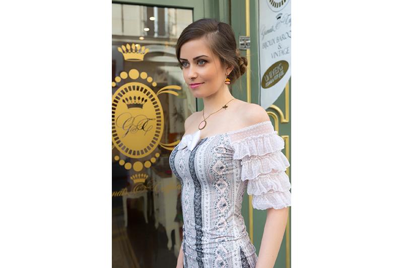 top-haut-tee-shirt-femme-mode-alternative-baroque-marie-antoinette-manches-volants-made-in-france-dentelle-luxe