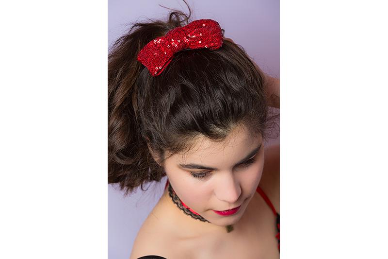accessoire cheveux noeud sequins rouges coiffure barrette made infrance fait main cadeau souvenir