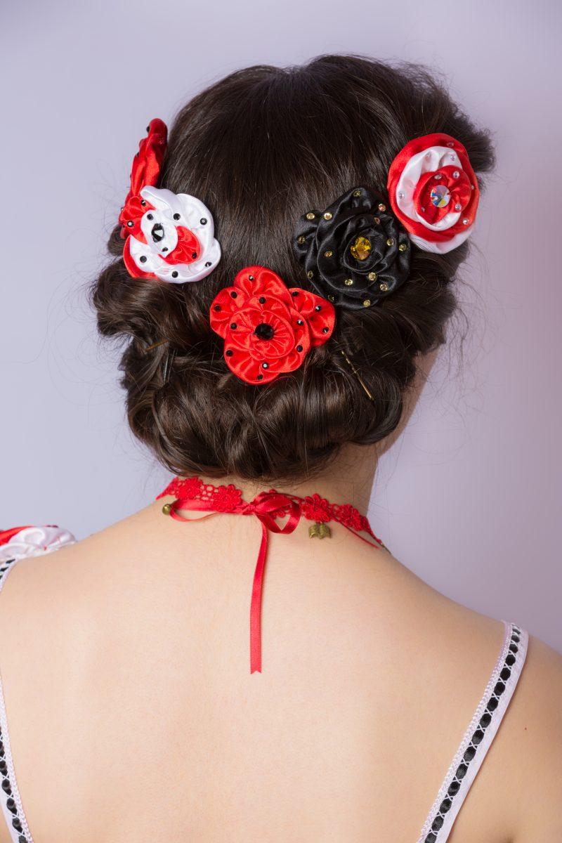 fleurs-cheveux-rouge-noir-blanc-blanche-neige-conte-de-fee-accesoire-made-in-france-souvenir-barrette