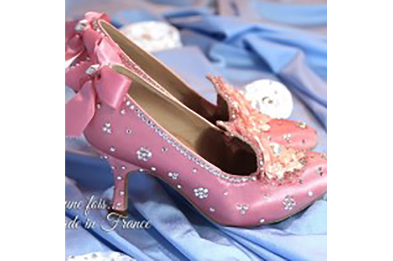 chaussures-bal-satin-rose-marie-antoinette-baroque-customisation