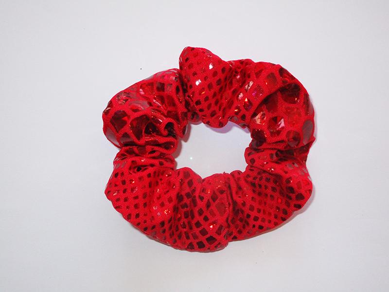 chouchou-cheveux-made-in-france-accessoire-coiffure-mode-femme-fait-main-cadeau-artisanal-rouge