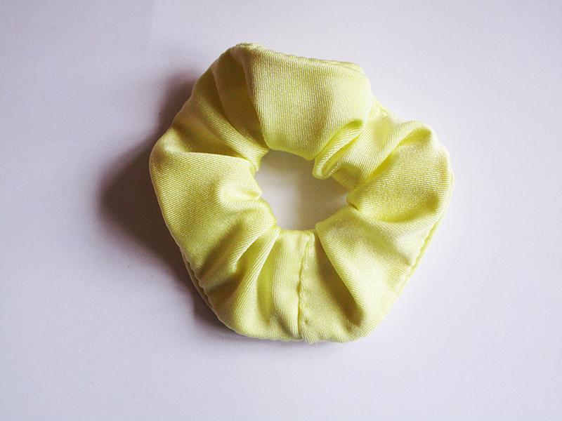 chouchou-made-in-france-accessoire-cheveux-coiffure-fait-main-cadeau-artisanal-