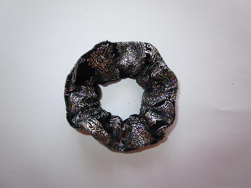 chouchou-lade-in-france-noir-argent-accessoire-cheveux-coiffure-fait-main-artisanal-cadeau
