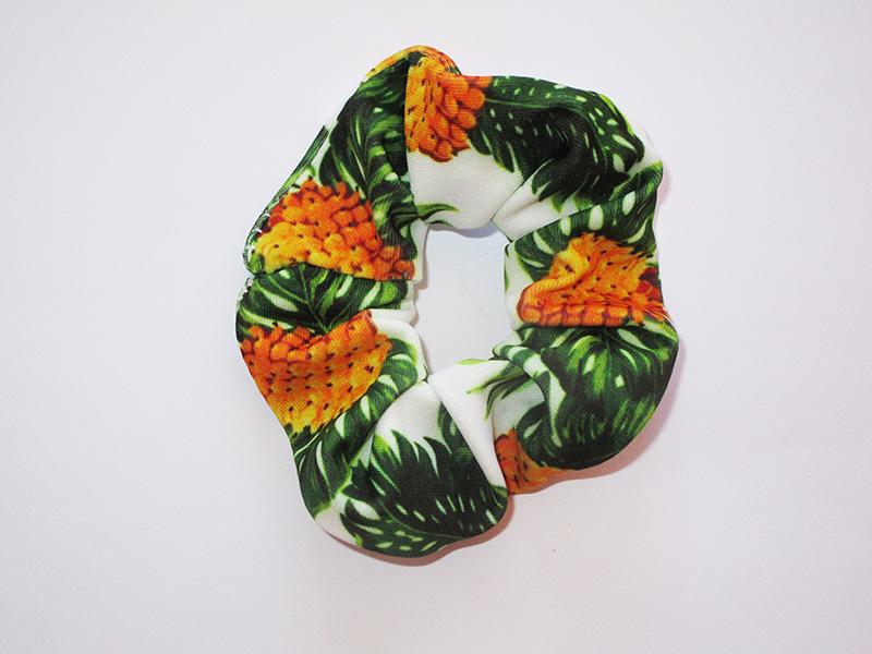 chouchou-cheveux-made-in-france-accessoire-coiffure-mode-femme-fait-main-cadeau-artisanal-jaune-orange-vert