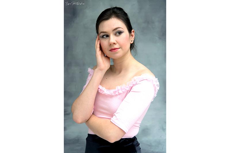 haut-femme-rose-paillete-mode-feminine-romantique-pret-a-porter-made-in-france-tee-hirt-top-tendance