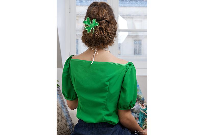 barrette-accessoire-cheveux-coiffure-soiree-trefle-satin-vert-strass-imperatrice-eugenie-made-in-france-haute-couture-bijou-tete-fait-main-strass-swarovski