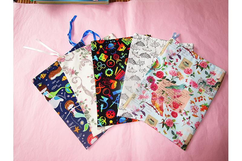sac-tissu-imprime-rangement-accessoire-made-in-france-fait-main-poche-pochon-pochette