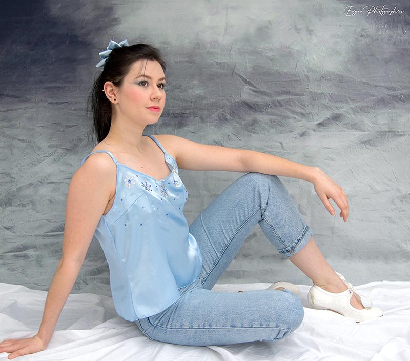haut pour femme caraco lingerie satin bleu clair made in france strass flocons conte de fee reine des neiges elsa disneybound