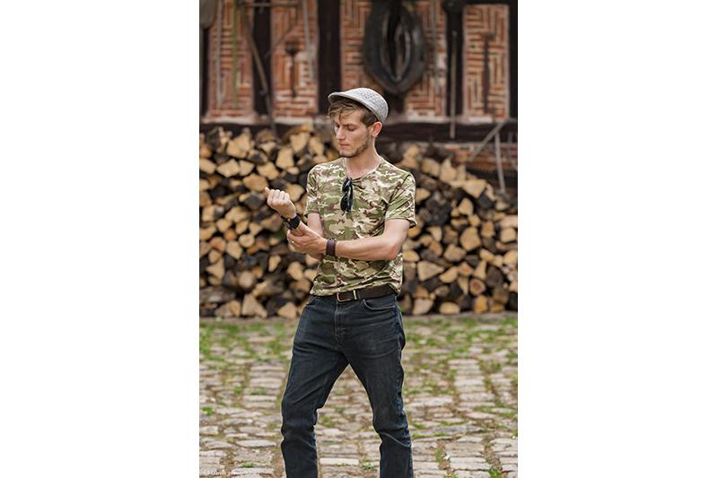 t shirt pour homme made in france kaki treillis militaire fait main encolure ronde