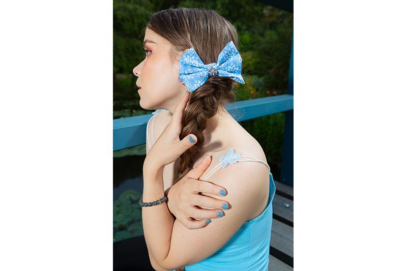 noeud reine des neiges bleu blanc flocons elsa accessoire cheveux barrette fait main
