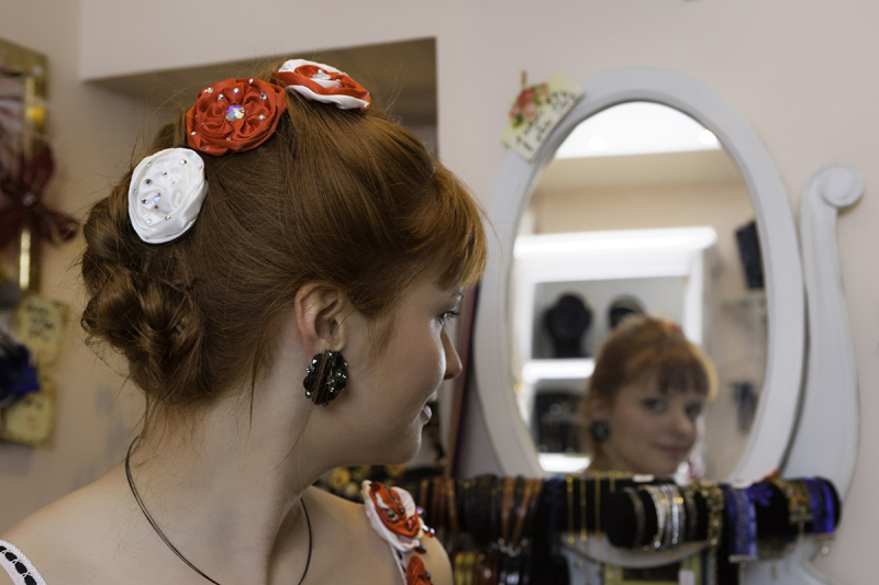 rose-cheveux-bicolore-rouge-blanc-fait-main-made-in-france-barrette-cheveux-broche