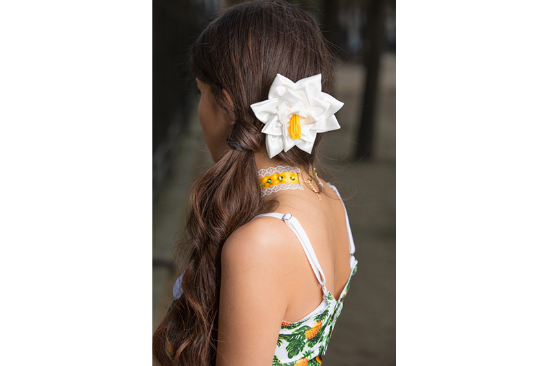 accessoire coiffure fleur cheveux nenuphar fait main haute couture barrette cadeau souvenir bijou tete made in france