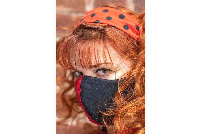 bandeau-accessoire-coiffure-cheveux-rouge-pois-noirs-vintage-headband-fait-main-made-in-france-cadeau-souvenir