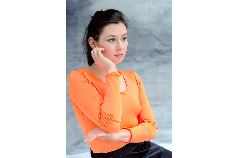 tee-short-orange-haut-made-in-france-top-mode-femme-manches-longues-lycra-vetement-basique-tendance