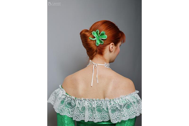 trefle-barrette-fait-main-soiree-haute-couture-satin-vert-strass-swarovski-imperatrice-eugenie-second-empire-coiffure-bijou-cheveux-tete