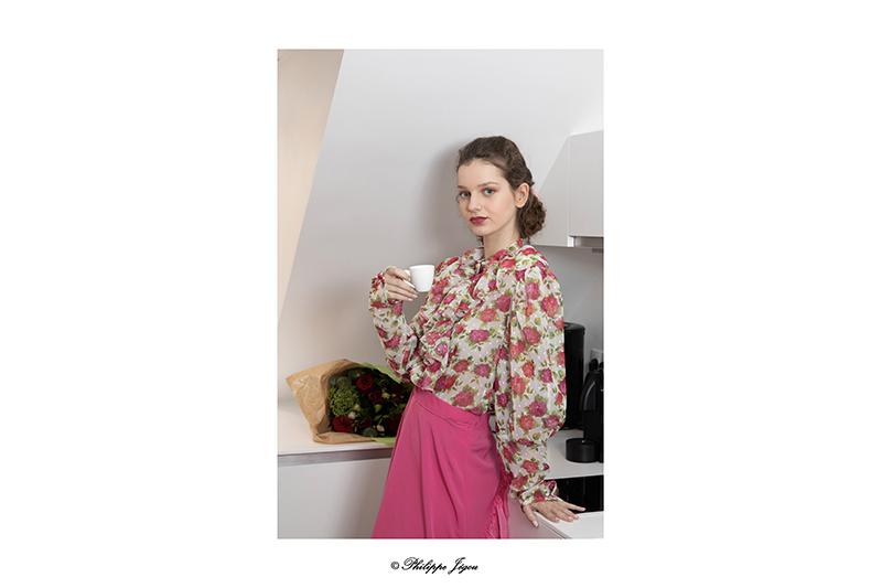 chemisier-femme-fleurs-roses-jabot-made-in-france-haute-couture