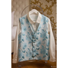 gilet-homme-baroque-dandy-brocart-bleu-ciel-made-in-france-pret-a-porter-masculin-luxe
