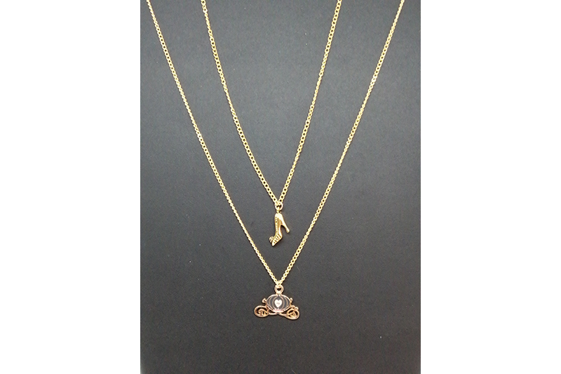 double pendentif carrosse et chaussure Cendrillon disneybound made in France